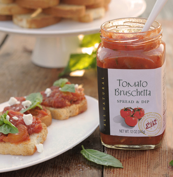 Elki 90E Tomato Bruschetta Outside picnic
