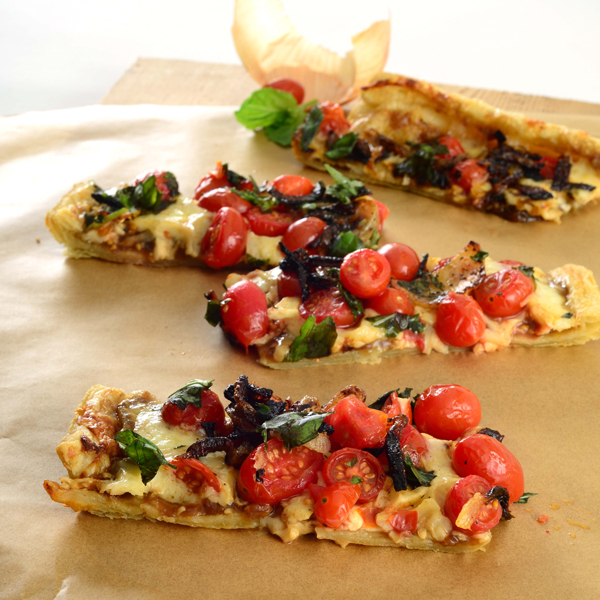 301E Caramalized onion crostini Spread with tart